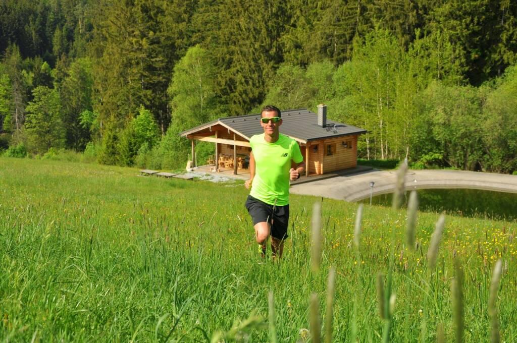 Werner Schrittwieser Da mein Laufjahr 2017 von einer langwierigen und hartnäckigen Verletzung geprägt war, nominiere ich heuer dieses Foto. Es soll einfach die Freude am Laufen in unserer wunderschönen Natur in Österreich darstellen, wo es weder um Kilometer, Zeiten oder sonstiges geht! :) Einfach versuchen das Laufen in vollen Zügen zu genießen.. (28.12.2017)