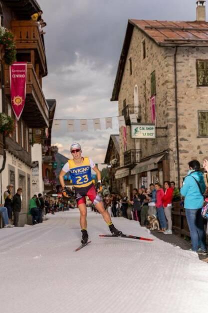 Lisa Unterweger: Mein Sportschnappschuss des Jahres 2017! Langlaufen im Sommer!! Bei der Trofeo delle Contrade Livigno - 1kshot - ein Langlaufsprint mitten in der Einkaufsstraße von Livigno. (04.01.2018)