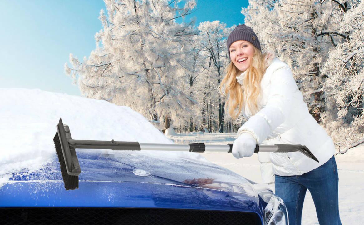 KUNGS: Mit dem richtigen Winter-Zubehör behalten Autofahrer den Durchblick, zB. mit KUNGS Star-IS Multifunktionaler Schneebesen mit Eiskratzer und Gummilippe. Credit: Kungs