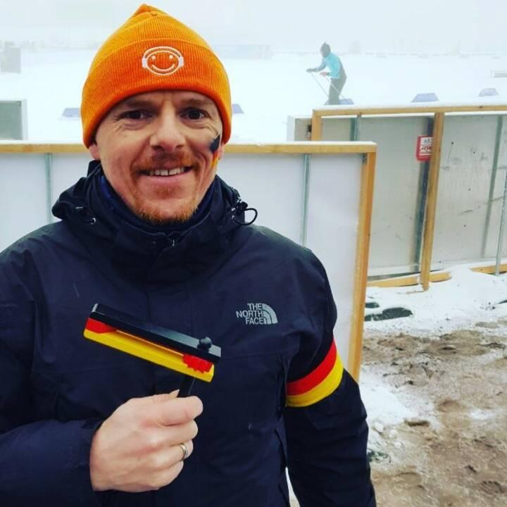 Christian-Hendrik Knappe, Runplugged Laufstark (Koop. Runplugged.com und Deutsche Bank X-Markets) beim Biathlon-Weltcup in Oberhof