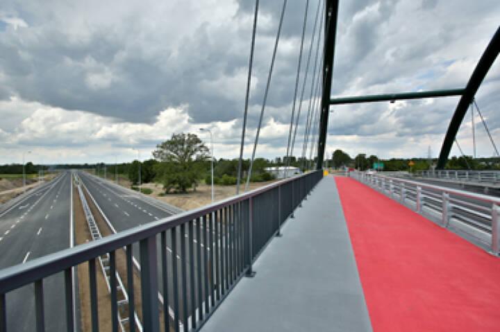 Ein Teil der S7 wurde bereits erfolgreich gebaut. Mit dem 21,5 km-Abschnitt von Mława nach Strzegowo leistet die PORR S.A. einen weiteren Beitrag zur Fertigstellung der Schnellstraße. Foto © PORR