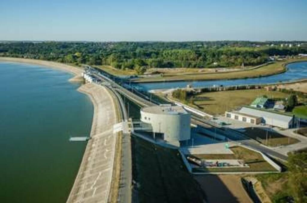 Eines der prestigeträchtigsten und kompliziertesten Projekte im Bereich Hydrotechnik, das in den vergangenen Jahren von der PORR in Polen fertiggestellt wurde – die Modernisierung des Hochwasserstausees Nysa. Foto©PORR, © Aussendung (08.01.2018)