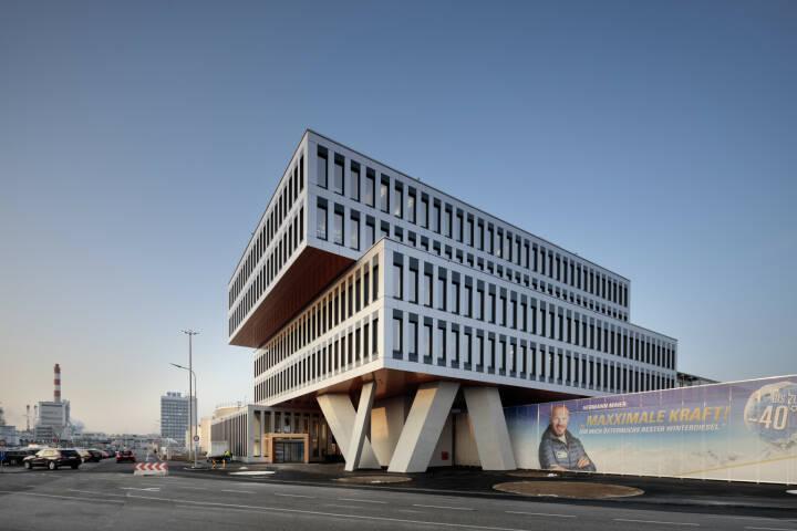 Das mit Jahresende nach nur 14 Monaten Bauzeit fertiggestellte neue Office Building der OMV Raffinerie Schwechat feierte seine Eröffnung. Fotocredit: ATP/Kuball