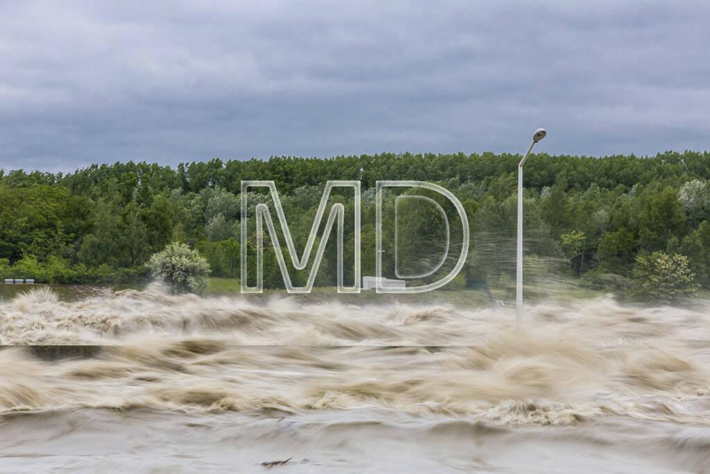 Donau, Hochwasser, Verbund Kraftwerk Greifenstein, © Martina Draper (03.06.2013)