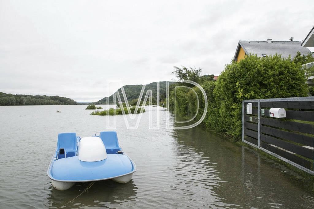 Hochwasser, Greifenstein, Tretboot, © Martina Draper (03.06.2013)