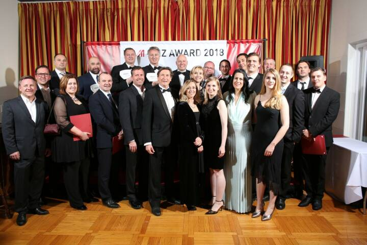 WirschaftsOskar 2018 - Gruppenfoto alle Gewinner, Nominierten etc., Credit: JimLee