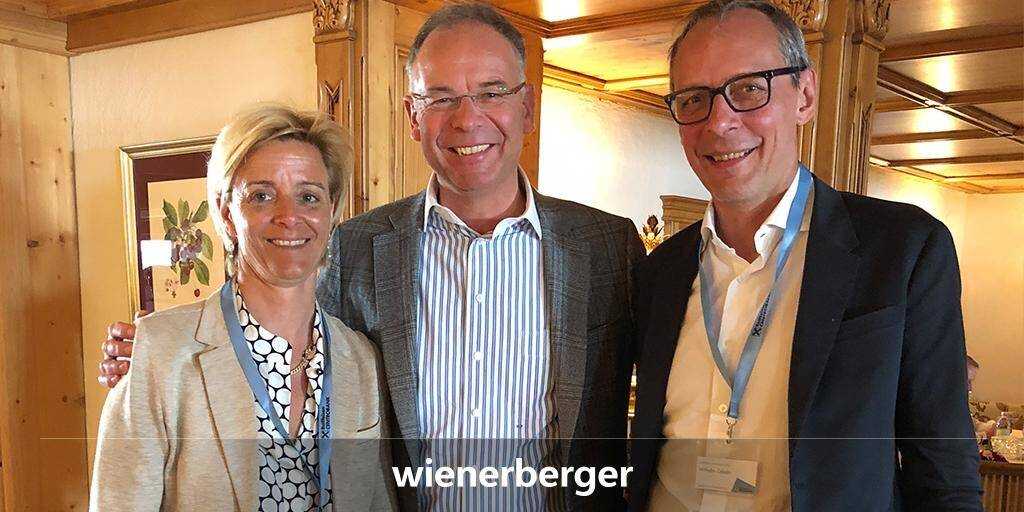 Heimo Scheuch, Wienerberger : Inspiring presentations and interesting discussions at the Raiffeisen Centrobank's Investor Conference in Zürs. With me on the pic Valerie Brunner and Wilhelm Celeda from Raiffeisen Centrobank. (12.04.2018)