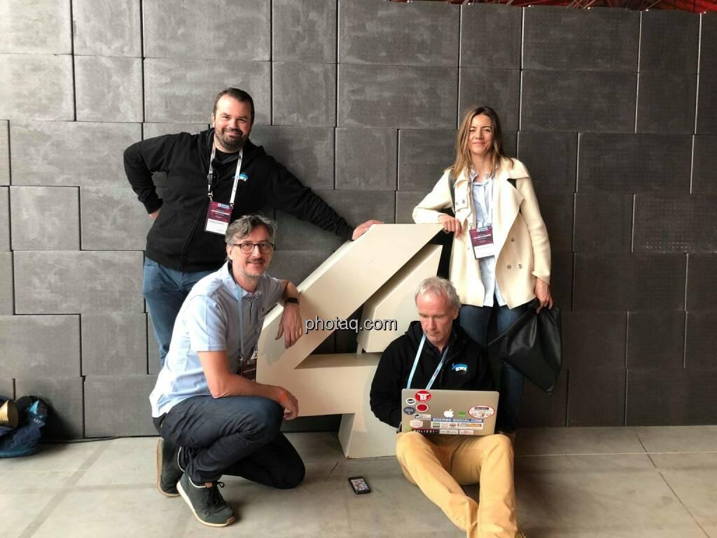 Schlussredaktion #gabb heute beim 4gamechangers Festival : Stefan Greunz, Josef Chladek, Christine Petzwinkler, Christian Drastil http://www.boerse-social.com/gabb, © Michaela Mejta + diverse Handypics (18.04.2018)