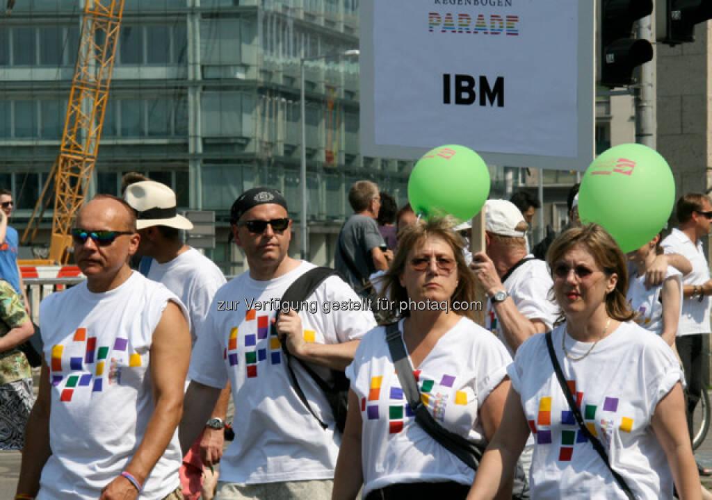 Regenbogenparade in Wien, IBM (14.06.2013)