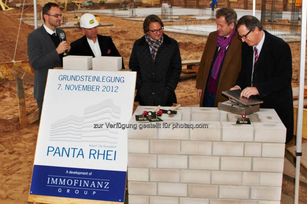 Immofinanz-Chef Eduard Zehetner bei der Grundsteinlegung für das Panta Rhei-Bürogebäude am Düsseldorfer Flughafen (15.12.2012)