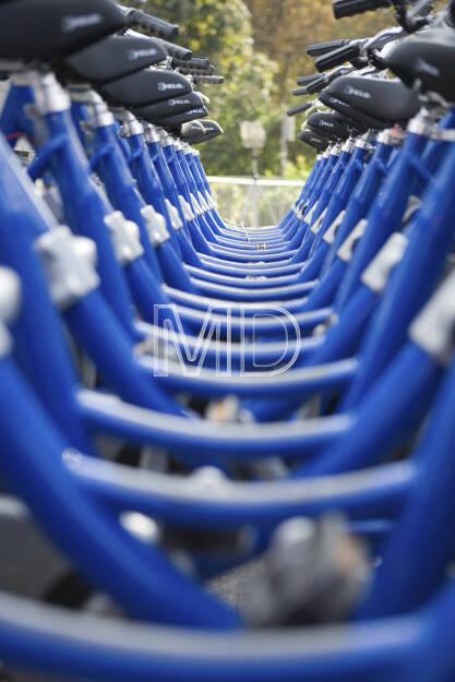 Fahrräder blau, © www.martina-draper.at (08.07.2013)