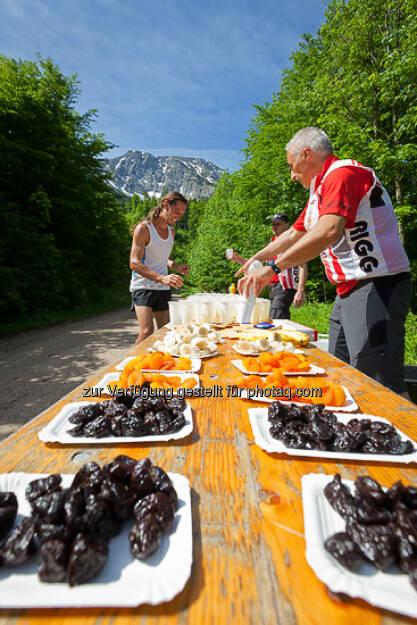 Verpflegung beim ESPA-Ötscher-Marathon 2013 , © Rainer Mirau (27.07.2013)