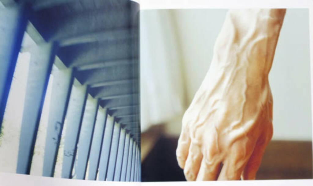 eine Seite aus Rinko Kawauchi - Utatane, Preis: 200-400 Euro, http://josefchladek.com/book/rinko_kawauchi_-_utatane (02.08.2013)