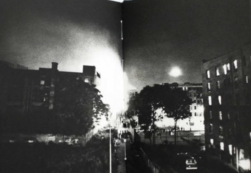 eine Seite aus Ken Schles - Invisible City, Preis: 250-500 Euro, http://josefchladek.com/book/ken_schles_-_invisible_city (04.08.2013)