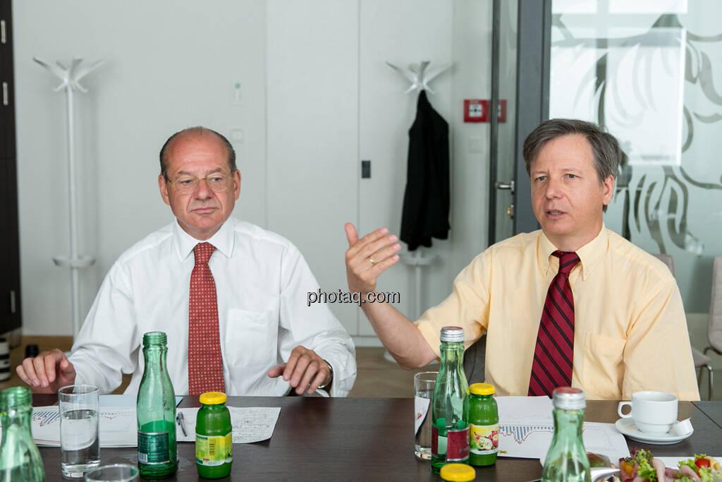 Michael Spiss (RCB), Heinrich Traumüller (Büro des Kapitalmarktbeauftragten, BMF), © finanzmarktfoto.at/Martina Draper (06.08.2013)
