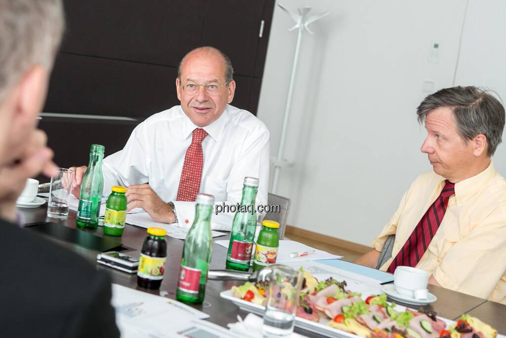 Christian Drastil, Michael Spiss (RCB), Heinrich Traumüller (Büro des Kapitalmarktbeauftragten, BMF), © finanzmarktfoto.at/Martina Draper (06.08.2013)