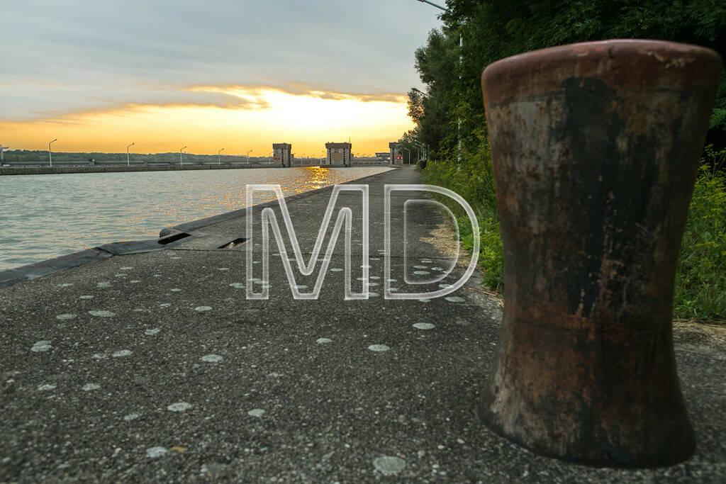 Verbund Kraftwerk Greifenstein, Sockel, © www.martina-draper.at (09.08.2013)