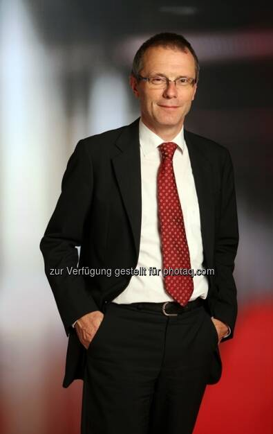 Dank der Stabilisierung in der Eurozone steht die Weltwirtschaft 2014 vor einer leichten Erholung. Und die Bewertungen sind immer noch günstig – dies ist einer der Schlüsse, die Christian Heger, Chief Investment Officer bei HSBC Global Asset Management (Deutschland), in seinem aktuellen Kommentar zur Asset Allokation zieht. Die gedämpfte Dynamik der Weltwirtschaft begrenze gleichzeitig die Risiken einer geldpolitischen Verschärfung. (c) Aussendung  (19.08.2013)