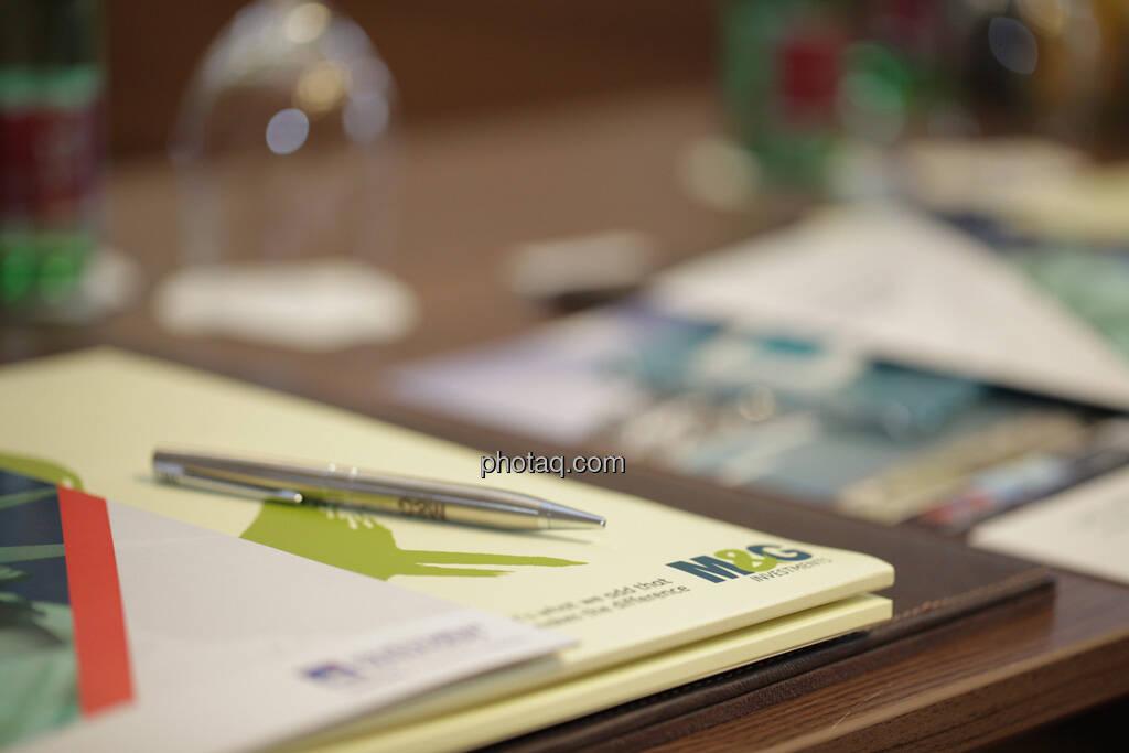 Kugelschreiber, Mappe M&G Investments, © finanzmarktfoto.at/Michaela Mejta (12.09.2013)